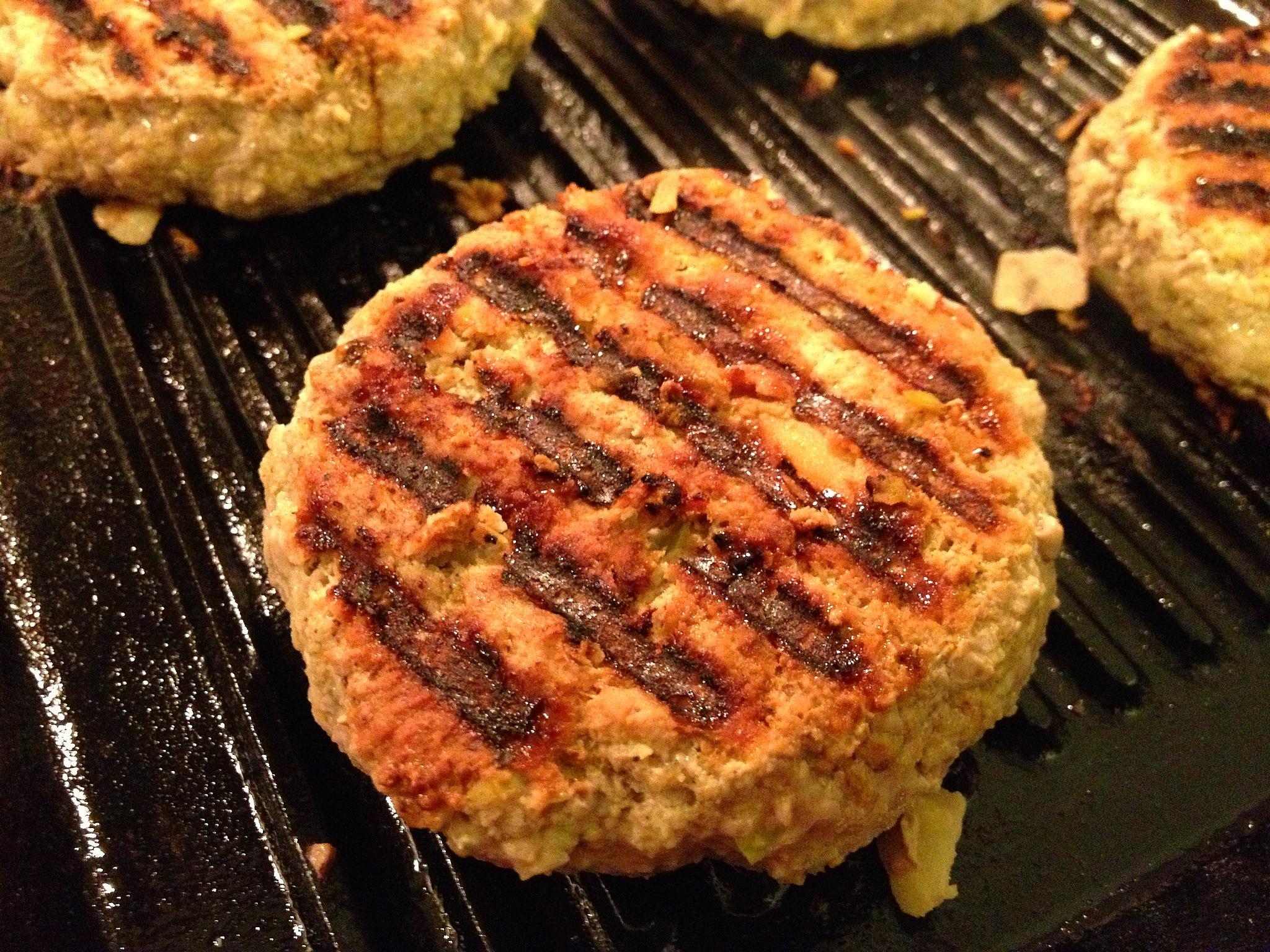 Grilled turkey burgers patties