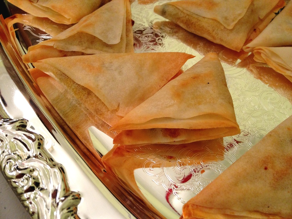 Appetizers indian finger food ideas big apple curry indian appetizers baked samosas with potatoes sweet peas forumfinder Images