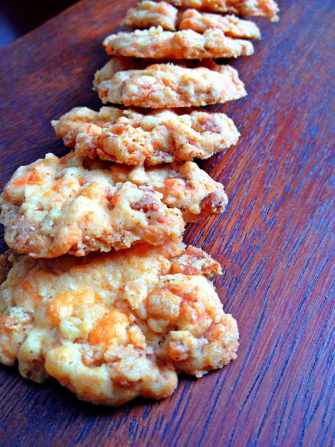 Spicy Cheese Crisps