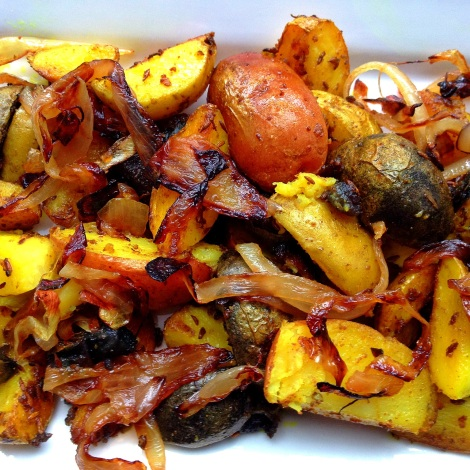 Pan-fried potatoes with browned onions